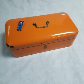 oranje broodkoffer email